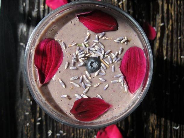 berry rose smoothie 022